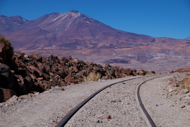 Taking the short cut via the railroad track up to Paso Socompa