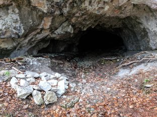 Cave close to Mittagflue