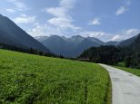 Hiking down to the Salzach