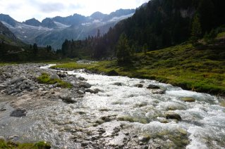 On the way between Richterhütte and Krimml Tauernhaus